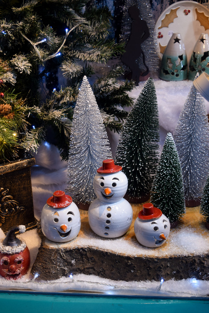 Canterbury Pottery Snowman Canterbury Christmas Window 2019