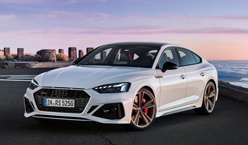 2020-Audi-RS5-Coupe-Sportback-24