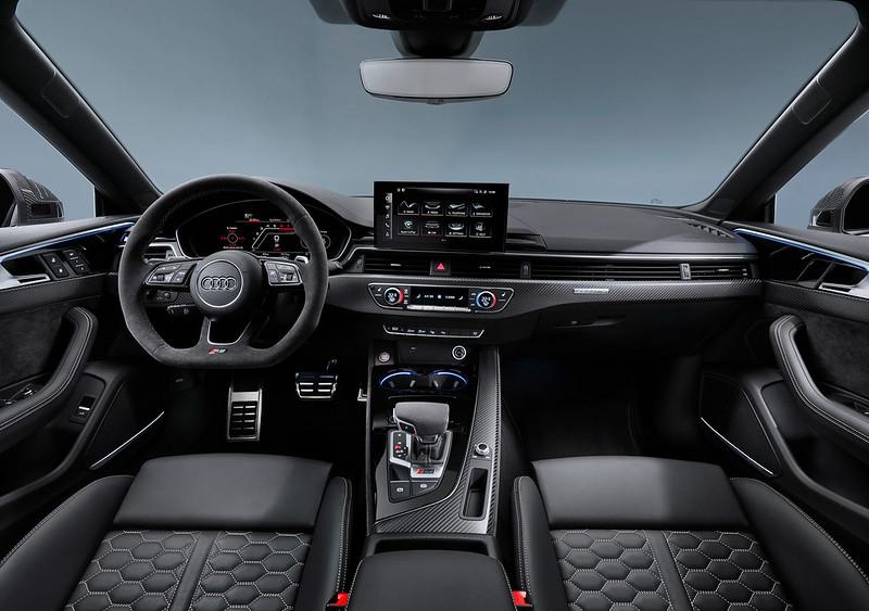 2020-Audi-RS5-Coupe-Sportback-22