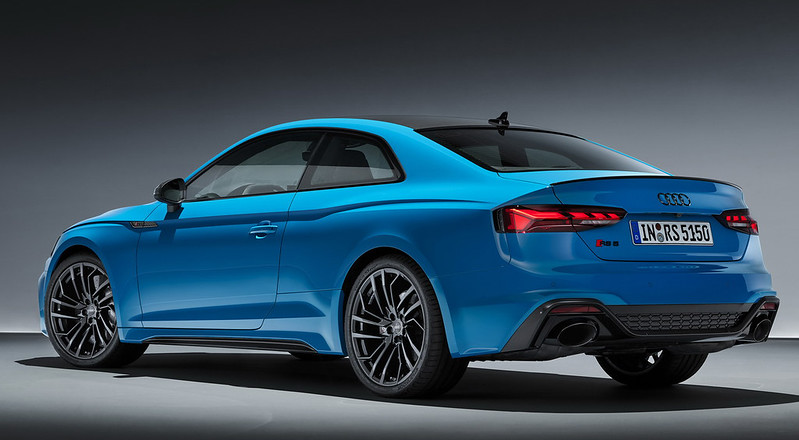2020-Audi-RS5-Coupe-Sportback-15