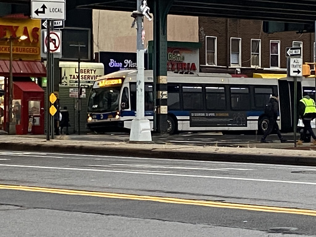 2010 Nova Bus LFSA 1279 - Bx4 To Westchester Square
