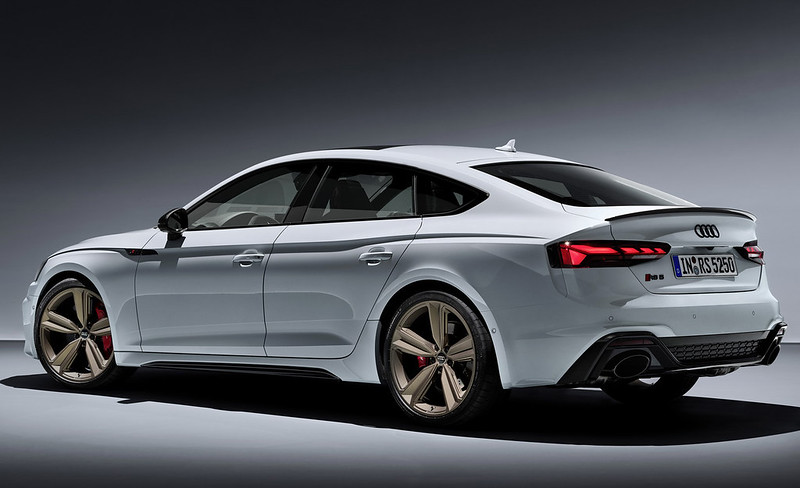 2020-Audi-RS5-Coupe-Sportback-36