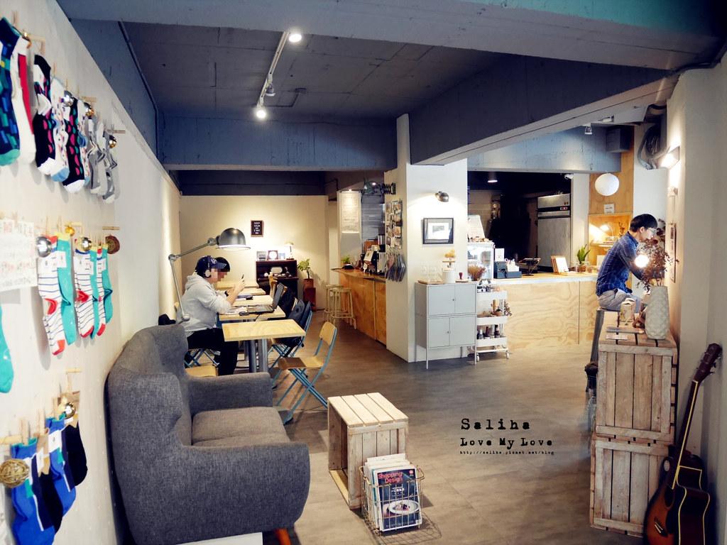 台北大安區六張犁站休習日Z Day Cafe適合看書用電腦的咖啡廳wifi插座 (2)
