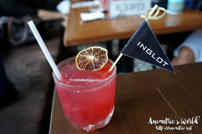 Niner Ichi Nana Berry Cocktail
