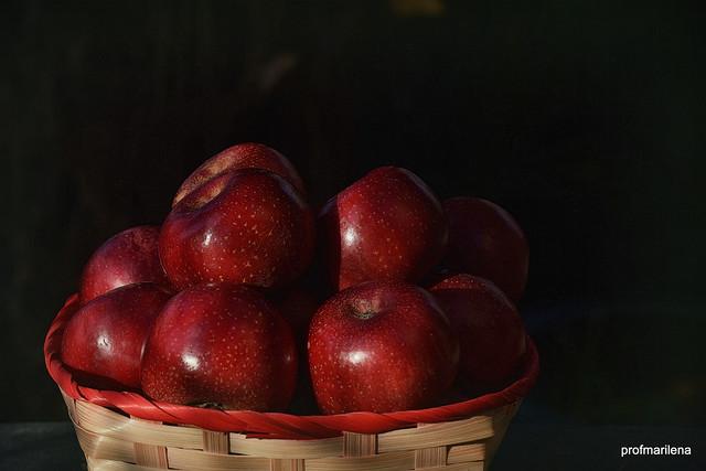 2019-12-082 annurca apples