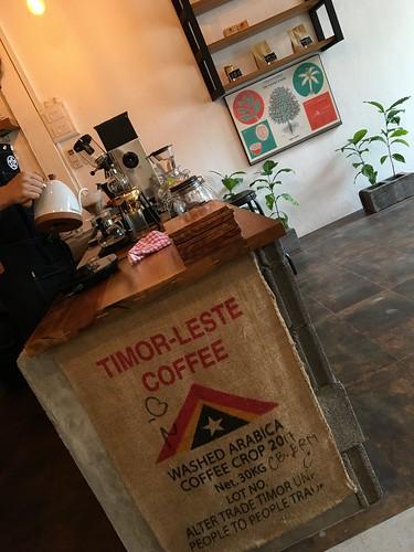 サムイ島自家焙煎カフェ-Hachiya Coffee Roastery
