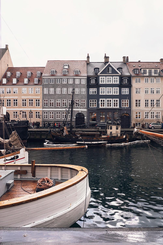 20copenhagen-denmark-nyhavn-architecture-travel