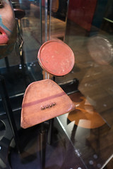 Lipsets used to extend the lips