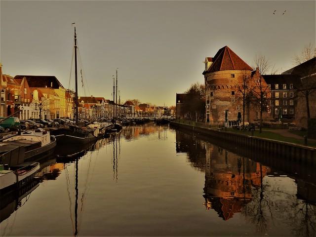 Zwolle, Thorbeckegracht met Wijndragerstoren