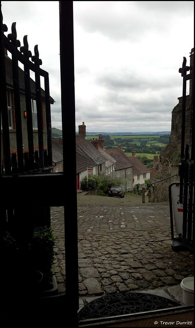 Gold Hill, Shaftesbury, England from the Cafe 20130815_131503