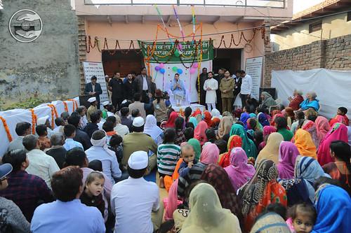 Blessings by Satguru Mata Ji on the way to Agra
