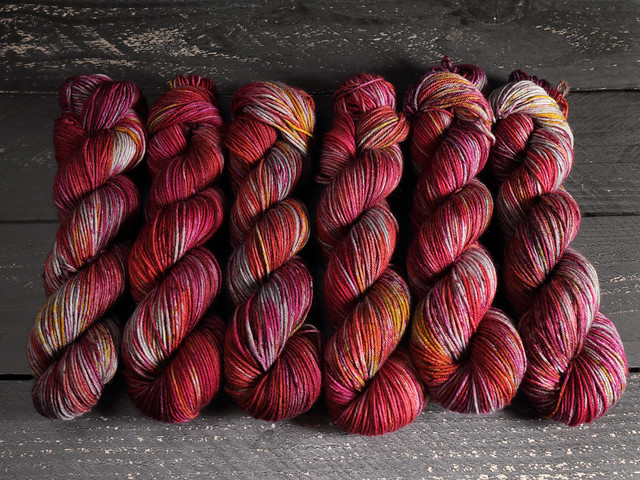 600g Sweater Pack: Dynamite DK – Pure British Wool superwash hand dyed yarn – 'Mulled Wine Spice'