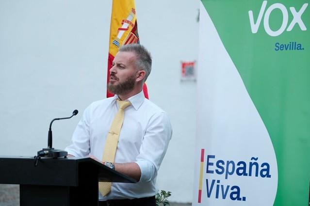Adrián VOX Dos Hermanas Sevilla