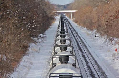 tankcars tankertrains bradylakeohio norfolksoutherntrains norfolksouthern nsclevelandline winter winterphotography winterrailroadphotography winterontherailroad winterandrailroads snow
