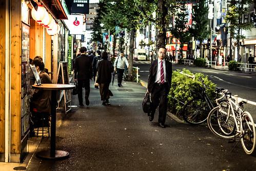 salaryman salarymen shinjuku tokyo japan nippon asia street streetphotography candid urban city people person work night nightlights nightshot