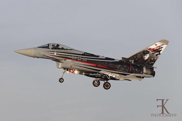 Eurofighter EF2000 (30+25)