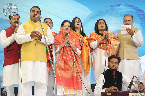Devotional song by Vijay Ji and Saathi from Agra