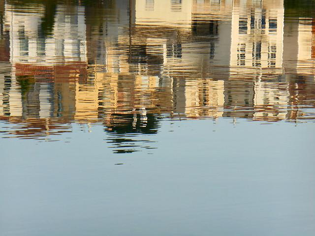 Σπίτια στο νερό / Houses in the water