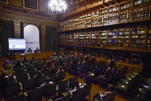 """Conferencia DeustoForum. Gonzalo Fanjul: """"El problema son las fronteras. Cómo reemplazar un sistema migratorio fallido"""""""