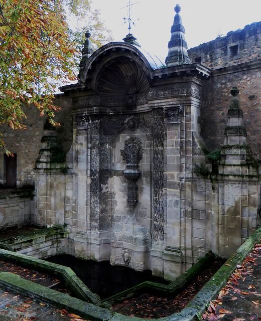 Fontaine Ste Croix XVIIIe, square Dom Bedos, , Bordeaux, Nouvelle-Aquitaine, France.
