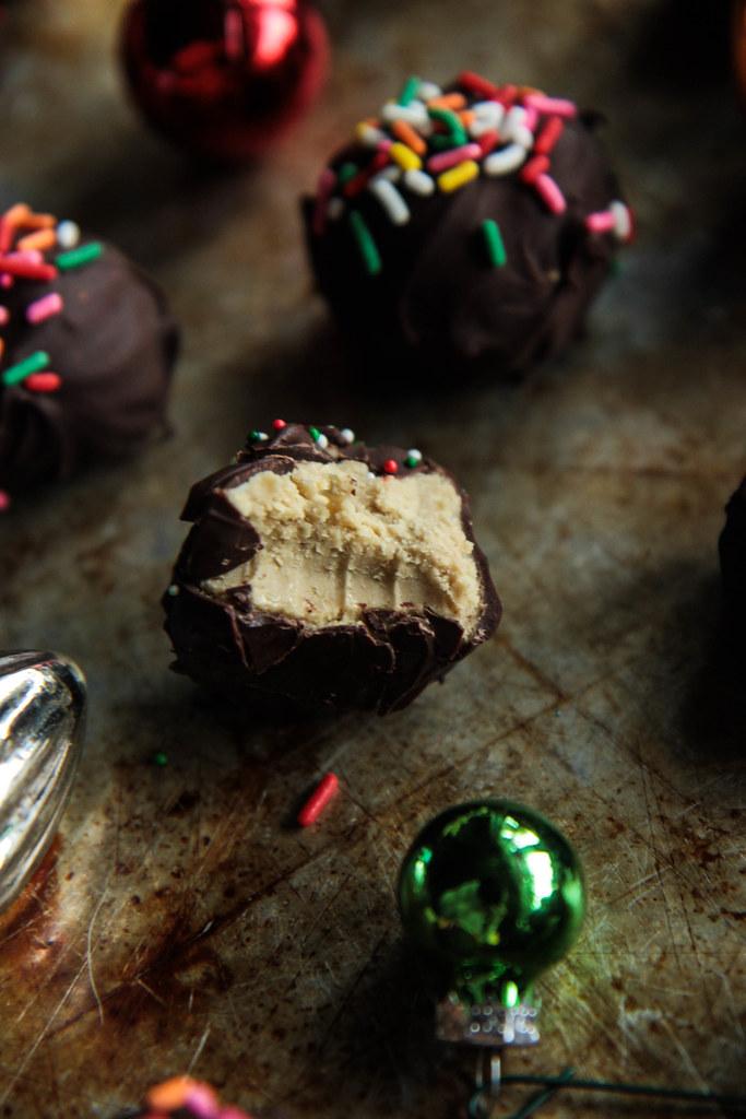 Chocolate Sunbutter Balls (Vegan) from HeatherChristo.com