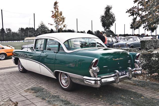 Buick Roadmaster Riviera Sedan 1955 (3489)