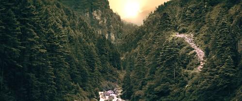 nepal greathimalayatrails path trekking valley outdoor outdoors hiking asia clip video film screenshot screengrab cinematography landscape anamorphic hawkvlite arri arrialexa cinemascope