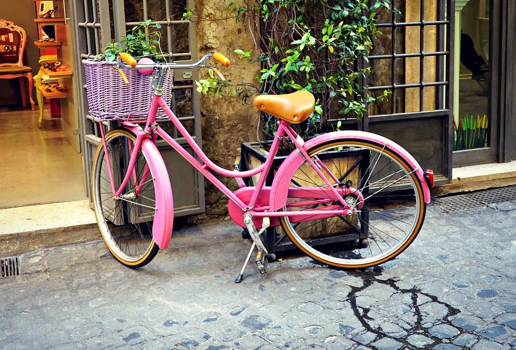 Pinkki pyörä Via dei Coronari