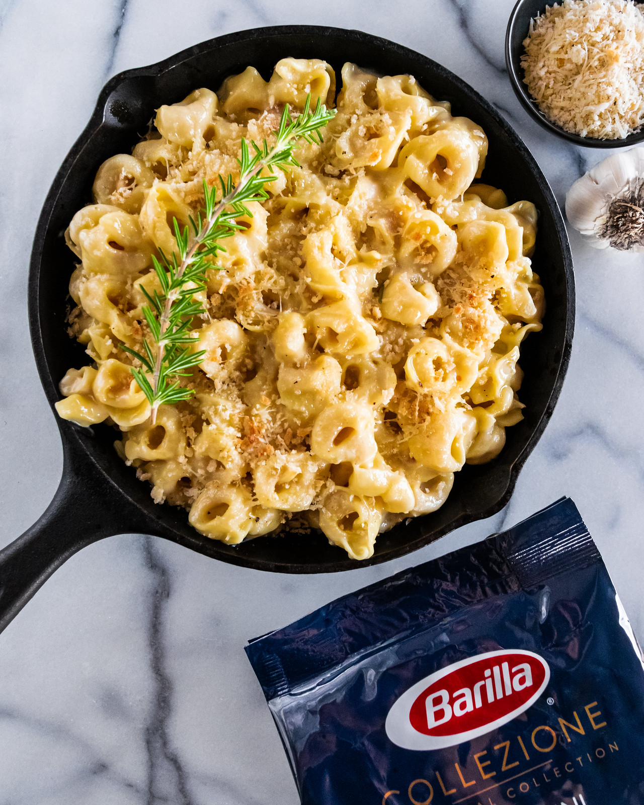 tortellini mac and cheese with roasted garlic and rosemary