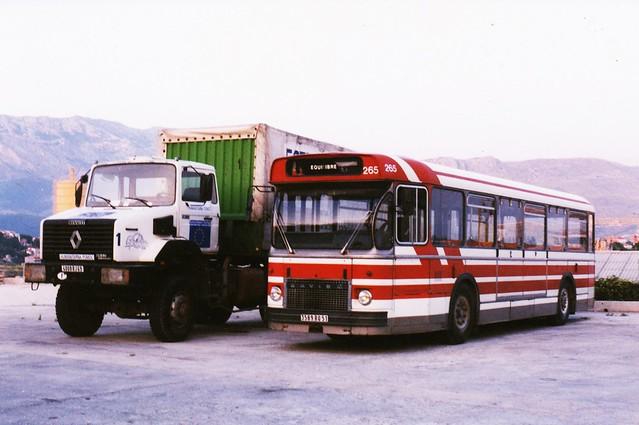 Saviem SC10 N° 265 Ville de Reims + Renault C260 4x4 Association Humanitaire EquiLibre Split Croatie Hrvatska 1995a