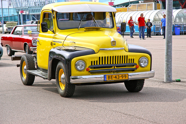 International L-110 Pick-Up Truck 1951 (4648)