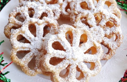 2019 Fried Rosette Cookies