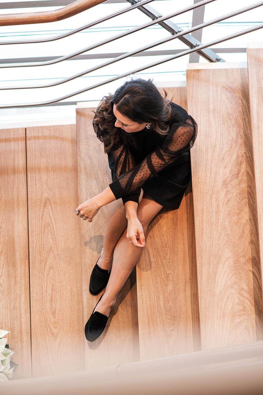 camille dg robe noire manches transparentes