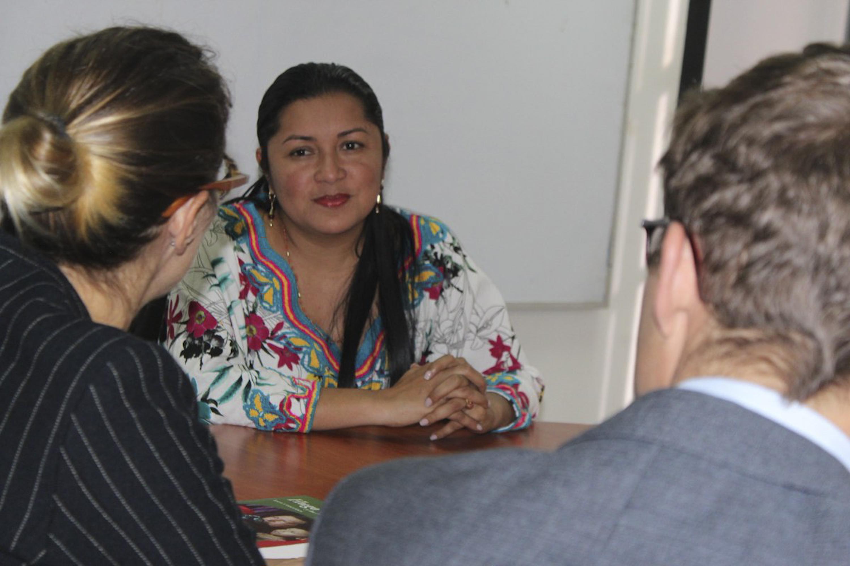Ministra para Pueblos Indígenas sostiene encuentro de trabajo con Comité Internacional de la Cruz Roja