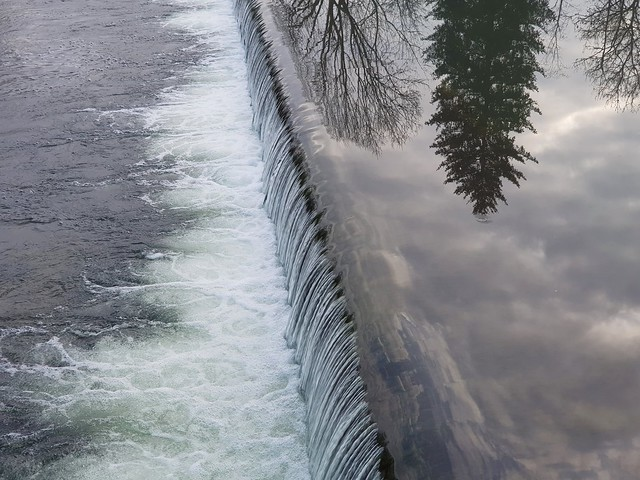 Herbstspaziergang am Fluss Iller - Autumn walk on the river Iller - Marche d'automne sur la rivière Iller