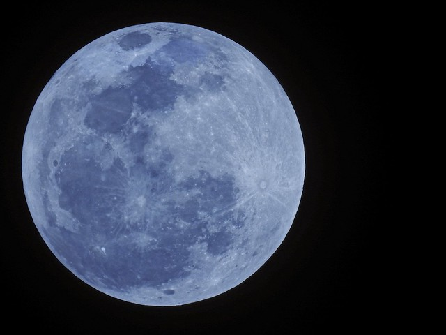 LAST FULL MOON OF YEAR AND DECADE.