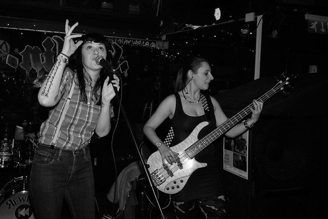 The Skatuesques (Dublin female Ska band)
