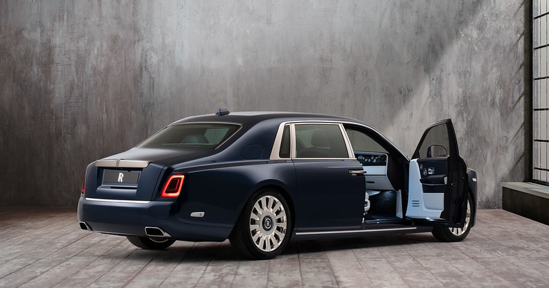 rolls-royce-phantom-flower-embroidery-one-million-stitches-9