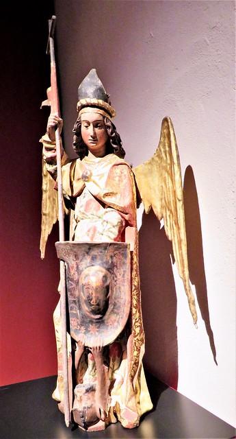 San Miguel Arcángel, siglo XV, del Museo de la Colegiata de San Cosme y San Damián de Covarrubias. Burgos