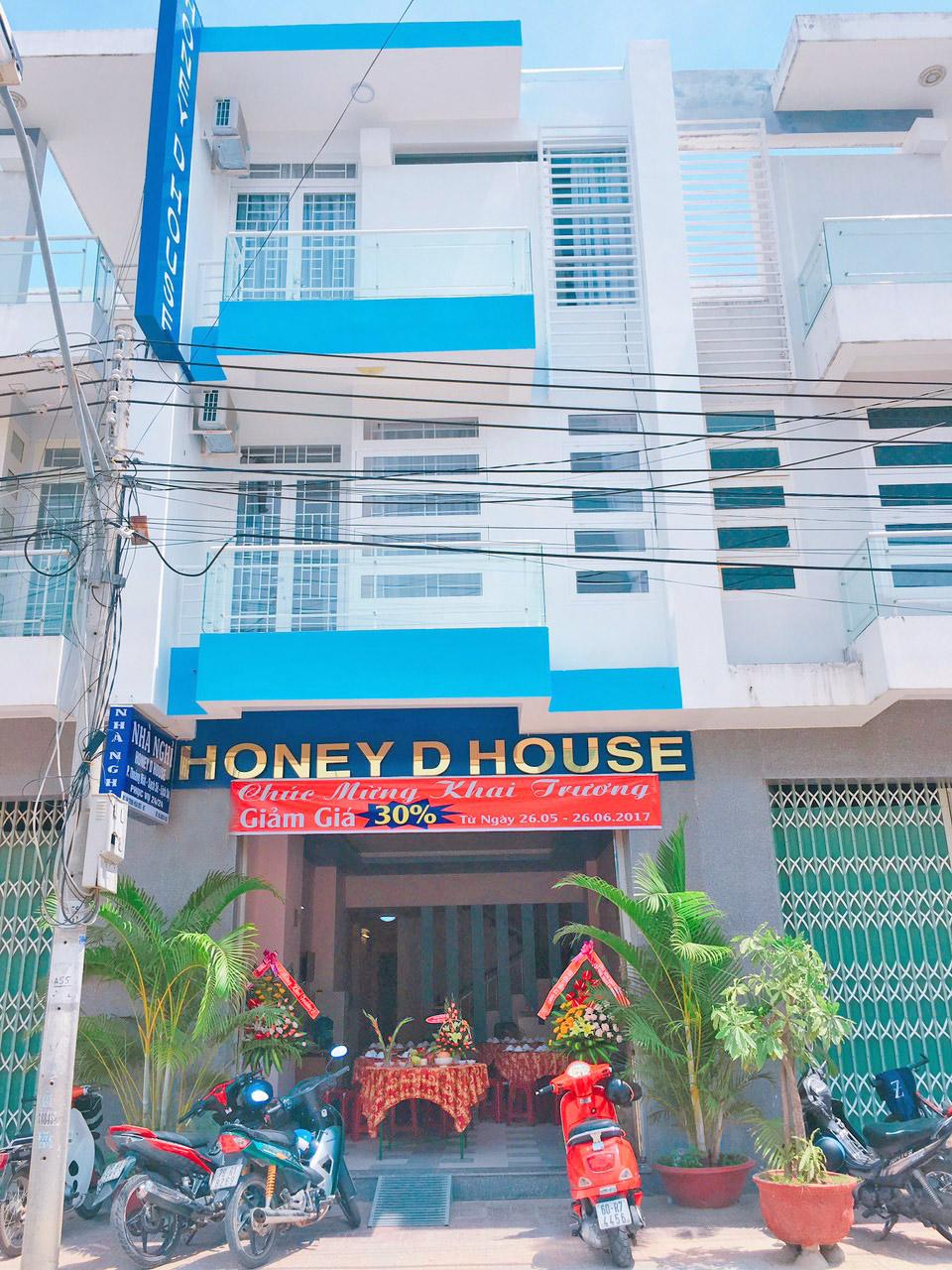 Bán nhà mặt tiền 98m2 đường Trịnh Hoài Đức, Nha Trang.