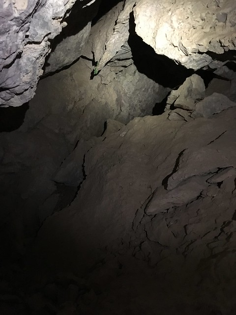 LUCKY NICKEL CAVE