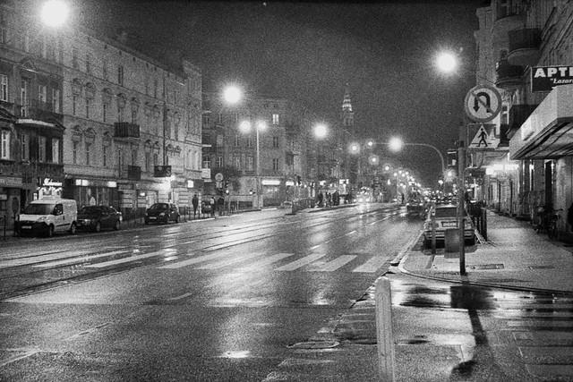 Głogowska Street by night