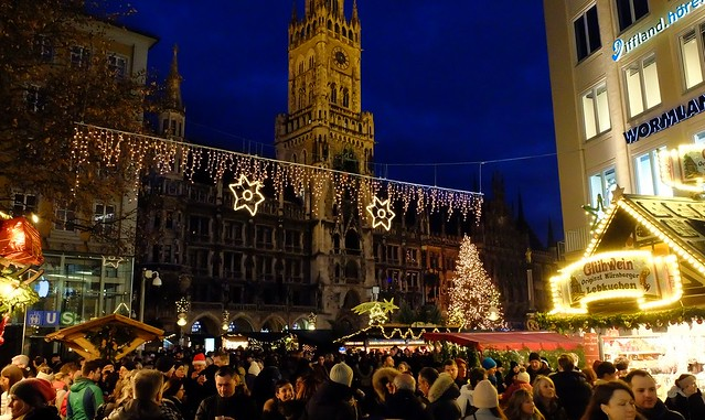 Munich - Christmas Crowd, Take 2