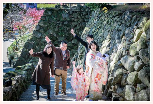 岡崎城の石垣 七五三 お宮参り 家族の写真