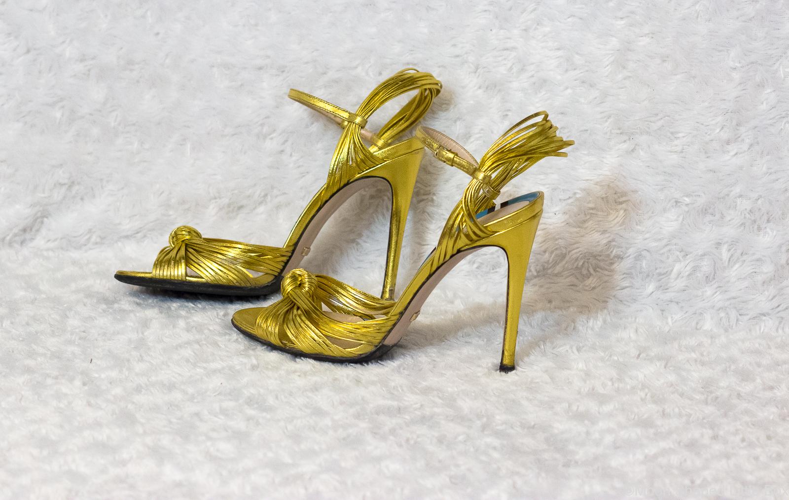 Kultaiset-korkokengat-Gucci-heels