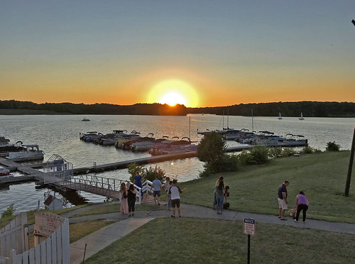 sunsetphotography sunsets sunset sunsetcolors indianapolis eaglecreekreservoir boatdocks boats water watercraft lakes