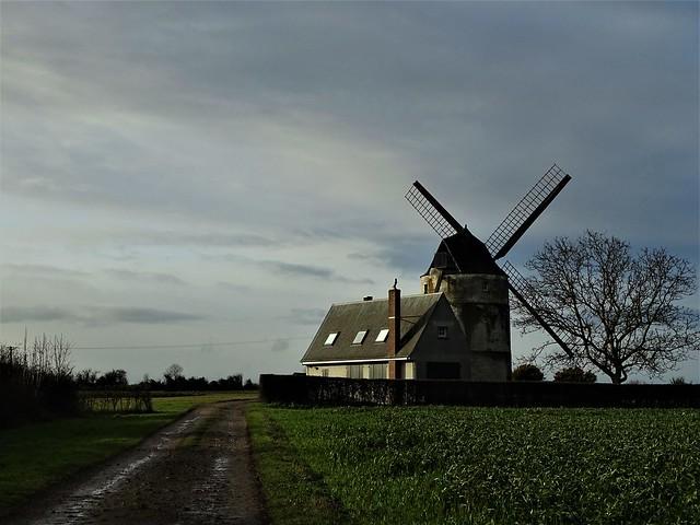 Le moulin d'Achille à Moringhem.