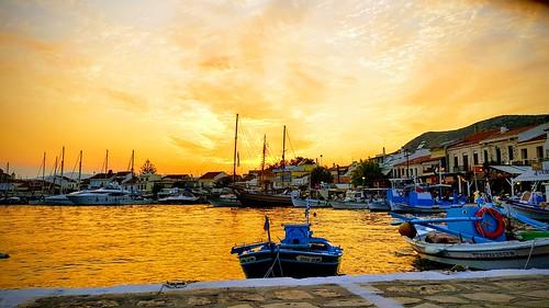 travel sunset harber boat