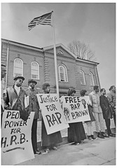 'Free Rap Brown' say picketers at courthouse: 1970