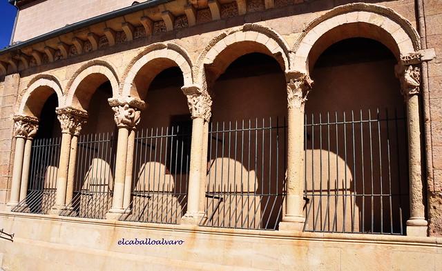 682 – Pórtico - Iglesia del Salvador – Segovia - Spain.